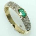#2702 Kuldsõrmus smaragdi ja teemantitega